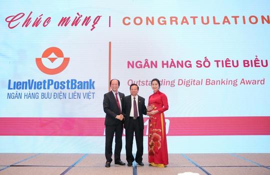 """LienVietPostBank được vinh danh giải thưởng """"Ngân hàng số tiêu biểu"""" - Ảnh 1."""