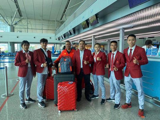 Nguyễn Trần Duy Nhất lên đường dự SEA Games 30 - Ảnh 1.