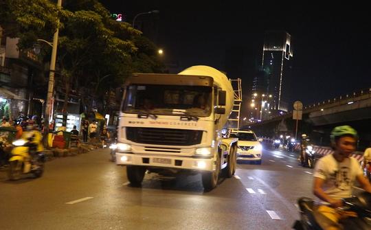 Lộ loại xe tải nặng coi thường giờ cấm nhiều nhất ở nội đô TP HCM - Ảnh 1.