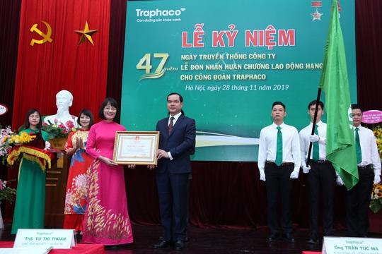 Công đoànTraphaco đón nhận Huân chương lao động hạng Nhất - Ảnh 1.