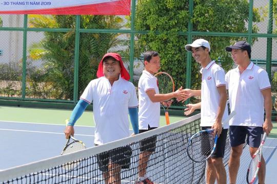 Hơn 400 tay vợt tranh tài tại giải Quần vợt Benthanh Tourist mở rộng lần IV - Ảnh 4.
