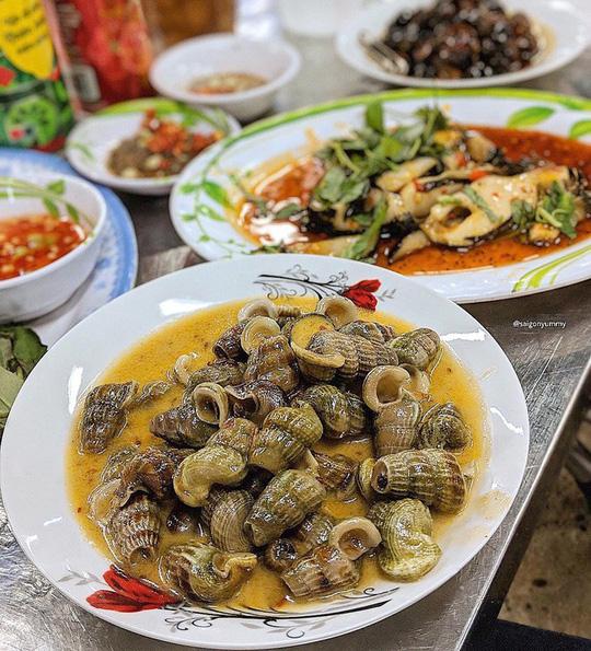 Những khu phố ẩm thực thu hút giới trẻ ở TP HCM - Ảnh 5.
