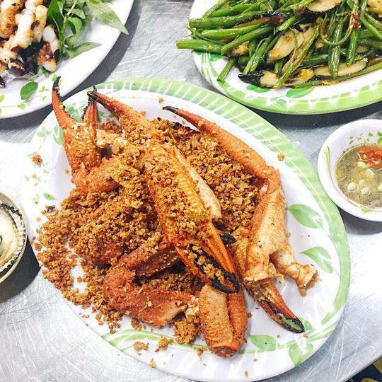 Những khu phố ẩm thực thu hút giới trẻ ở TP HCM - Ảnh 7.