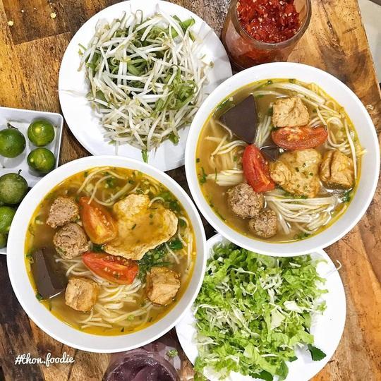 Những khu phố ẩm thực thu hút giới trẻ ở TP HCM - Ảnh 9.