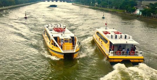 Gấp rút xây dựng bến trung tâm của buýt sông - Ảnh 1.