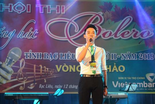 Cụ ông 91 tuổi hát rất ngọt tại Hội thi Tiếng hát Bolero tỉnh Bạc Liêu - Ảnh 2.