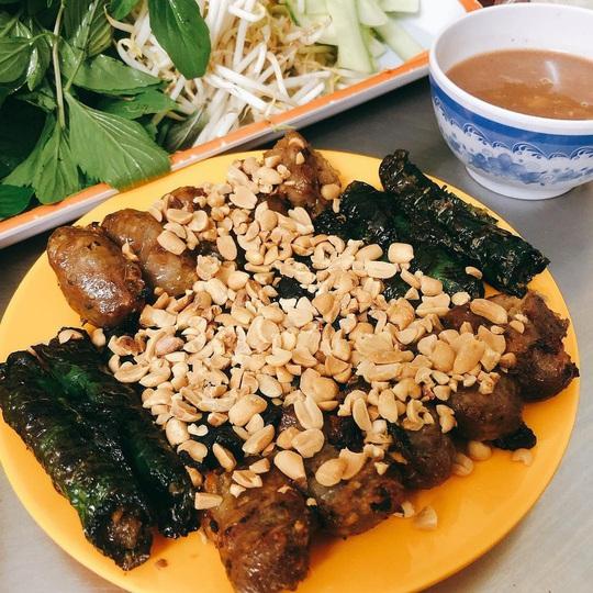 Những khu phố ẩm thực thu hút giới trẻ ở TP HCM - Ảnh 4.