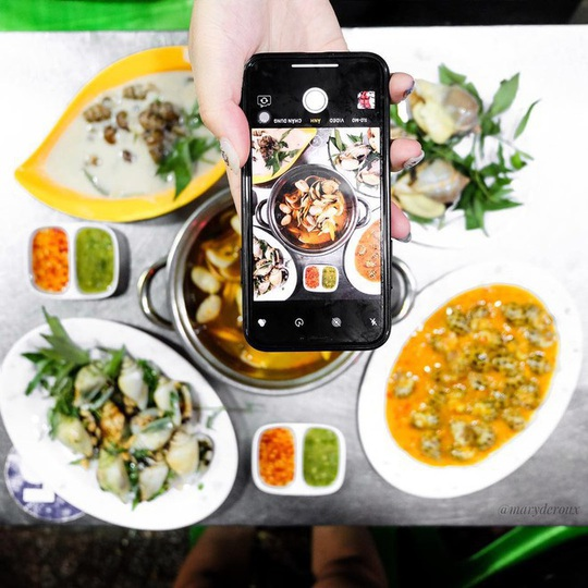 Những khu phố ẩm thực thu hút giới trẻ ở TP HCM - Ảnh 6.