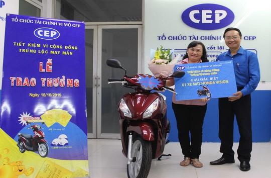 """Tổ chức tài chính vi mô CEP trao giải thưởng chương trình """"Tiết kiệm vì cộng đồng – Trúng lộc may mắn"""" - Ảnh 1."""