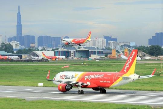 """Đồng loạt mở 2 đường bay quốc tế Đà Nẵng - Singapore và Hồng Kông, Vietjet khuyến mãi """"khủng"""" - Ảnh 1."""