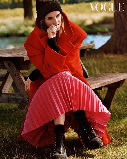 Bông hồng Emma Watson lo lắng vì độc thân tuổi 29 - Ảnh 2.