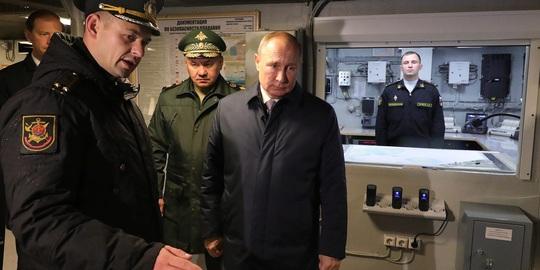 """Nga triển khai tên lửa """"bất khả chiến bại"""" lên tàu hải quân - Ảnh 1."""