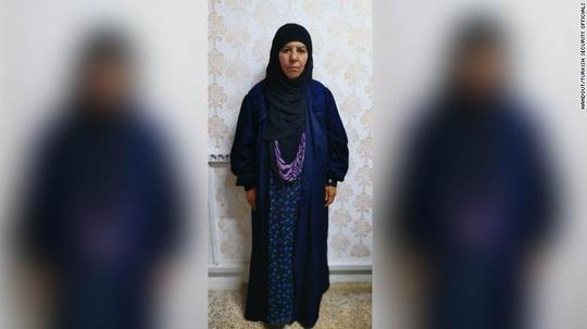 Thổ Nhĩ Kỳ bắt được vợ của cựu thủ lĩnh IS - Ảnh 2.
