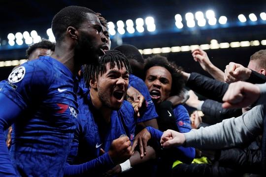 Trọng tài xuống tay 2 thẻ đỏ, Chelsea cầm hòa Ajax 8 bàn thắng - Ảnh 5.