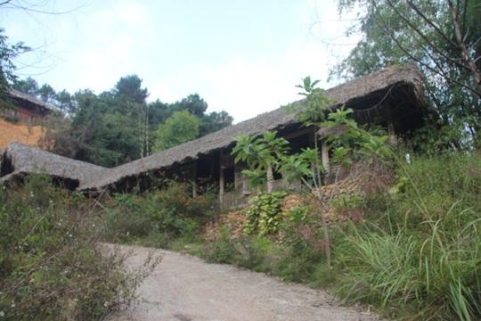 Cận cảnh công trình bí mật trên núi ở Lạng Sơn nghi là phim trường của nhóm người Trung Quốc - Ảnh 3.