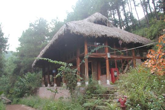 Cận cảnh công trình bí mật trên núi ở Lạng Sơn nghi là phim trường của nhóm người Trung Quốc - Ảnh 12.
