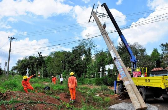 Đồng Tháp: Dồn lực đưa điện lưới quốc gia về vùng sâu, vùng xa - Ảnh 3.