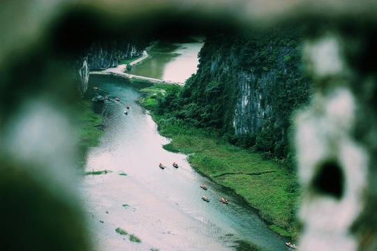 Đến hang Múa, ngắm non nước hữu tình ở lưng chừng trời - Ảnh 9.