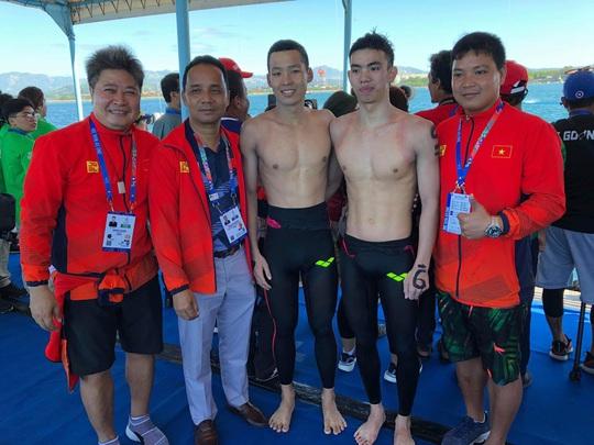 Trần Tấn Triệu và tấm HCV trên đường bơi 10.000m - Ảnh 4.