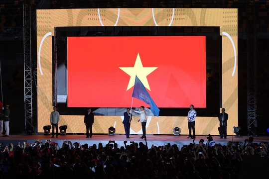 Bế mạc SEA Games 30: Ánh Viên được vinh danh, Việt Nam nhận cờ đăng cai SEA Games 31 - Ảnh 5.