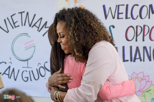 Mặc đồ đẹp như bà Michelle Obama dễ hay khó? - Ảnh 1.