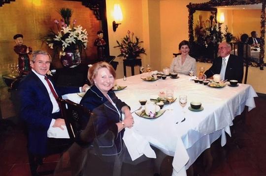 4 địa chỉ ẩm thực từng đón chính khách nổi tiếng - Ảnh 3.