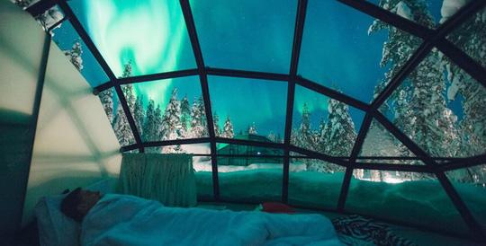 Nơi ngắm cực quang từ những căn lều thủy tinh - Ảnh 5.