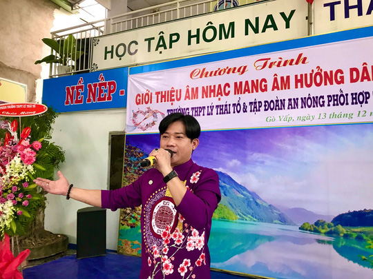 Nghệ sĩ Thanh Hằng xúc động vì học sinh yêu dân ca - Ảnh 7.
