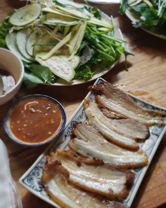 4 địa chỉ bánh tráng thịt heo ngon ở Đà Nẵng - Ảnh 2.