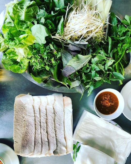4 địa chỉ bánh tráng thịt heo ngon ở Đà Nẵng - Ảnh 12.