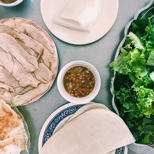 4 địa chỉ bánh tráng thịt heo ngon ở Đà Nẵng - Ảnh 8.