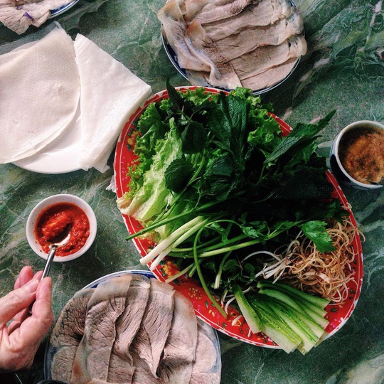 4 địa chỉ bánh tráng thịt heo ngon ở Đà Nẵng - Ảnh 9.