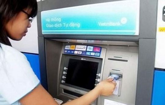 Quy định mới về trả lương qua thẻ ATM từ 2021 - Ảnh 1.