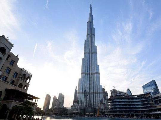 Khối tài sản hào nhoáng 11,2 tỉ USD của ông trùm thời trang Italy - Ảnh 4.