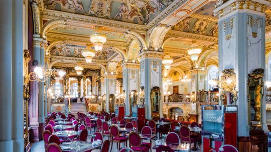 Quán cà phê trăm tuổi nổi tiếng đẹp nhất thế giới - Ảnh 3.