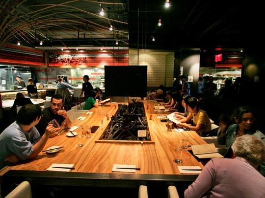 Vợ chồng gốc Á làm giàu tại Mỹ, sở hữu 3 tỷ USD và 2.000 nhà hàng - Ảnh 2.