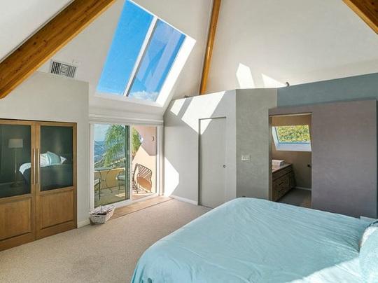 Bên trong kim tự tháp 3 phòng ngủ trên đỉnh núi giá 2 triệu USD - Ảnh 11.