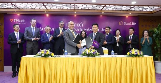 Sun Life Việt Nam và TPBank hợp tác phân phối bảo hiểm nhân thọ tại Việt Nam - Ảnh 1.