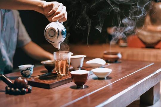 Thưởng trà và ngắm Hà Nội ngày đông - Ảnh 3.