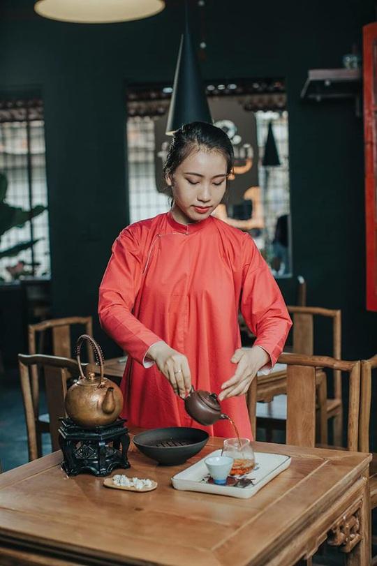 Thưởng trà và ngắm Hà Nội ngày đông - Ảnh 4.