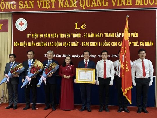 Bệnh viện Nhân dân 115 đạt 10 kỷ lục Việt Nam và châu Á - Ảnh 2.