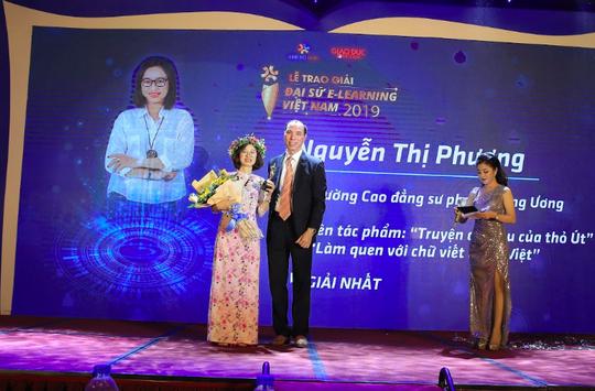 Cô giáo dạy học trò khiếm thính trở thành Đại sứ E-Learning Việt Nam - Ảnh 1.