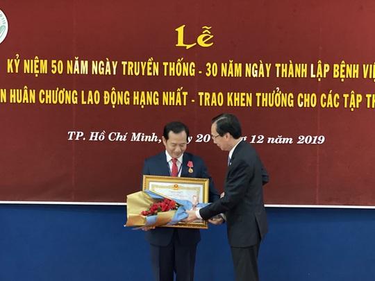 Bệnh viện Nhân dân 115 đạt 10 kỷ lục Việt Nam và châu Á - Ảnh 1.