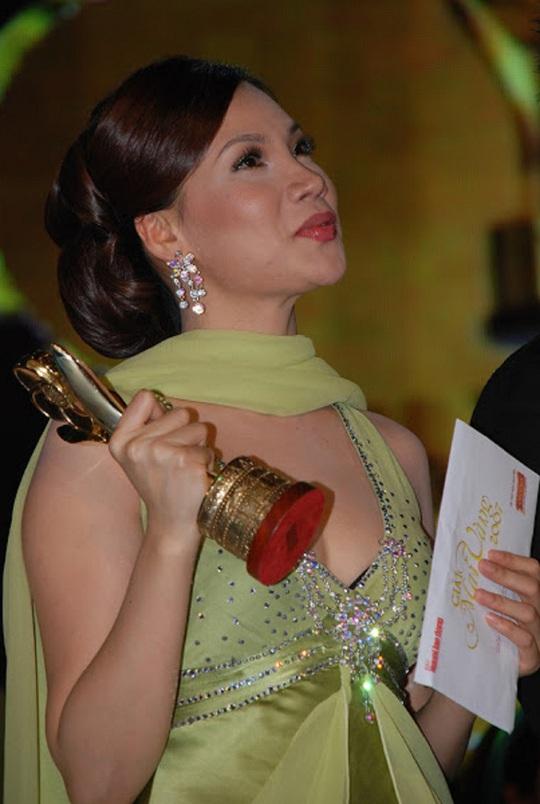 Giải Mai Vàng 25 năm: Giấc mơ của ca sĩ Hồ Quỳnh Hương - Ảnh 2.