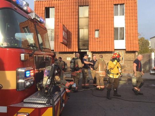 Căn hộ bốc cháy khiến 6 người chết, 13 người bị thương ở Las Vegas - Ảnh 3.