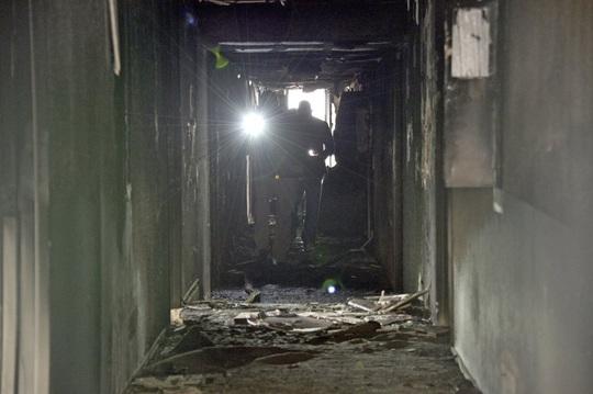 Căn hộ bốc cháy khiến 6 người chết, 13 người bị thương ở Las Vegas - Ảnh 5.