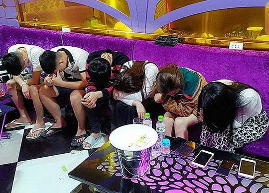 Quảng Nam: Đột kích karaoke LUXURY, phát hiện 58 nam nữ phê ma túy - Ảnh 2.