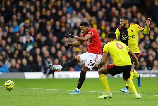 Paul Pogba tái xuất, Man United thua tan tác trước Watford - Ảnh 3.