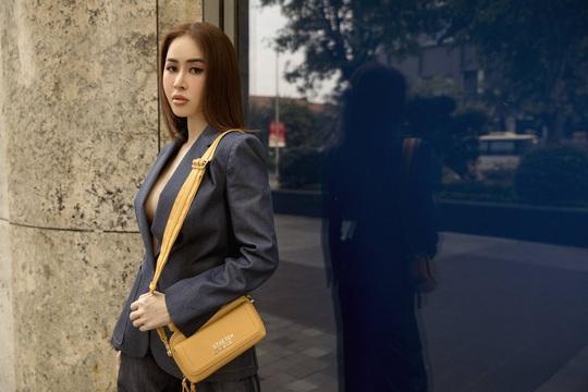 Hoa hậu Phan Ngọc Hân lệch đốt xương sống do... giày cao gót - Ảnh 4.