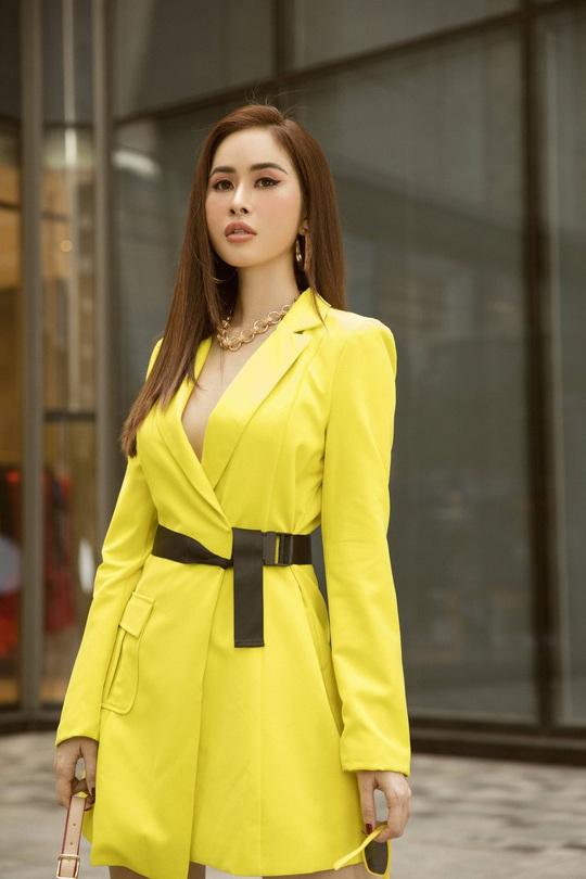 Hoa hậu Phan Ngọc Hân lệch đốt xương sống do... giày cao gót - Ảnh 2.
